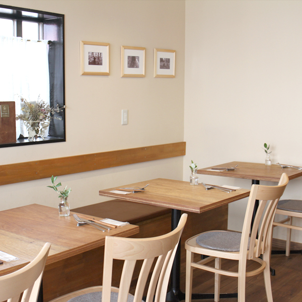 所沢市の新所沢のワインのペアリングとこだわりの食材のイタリアンレストランの店内のインテリアの画像