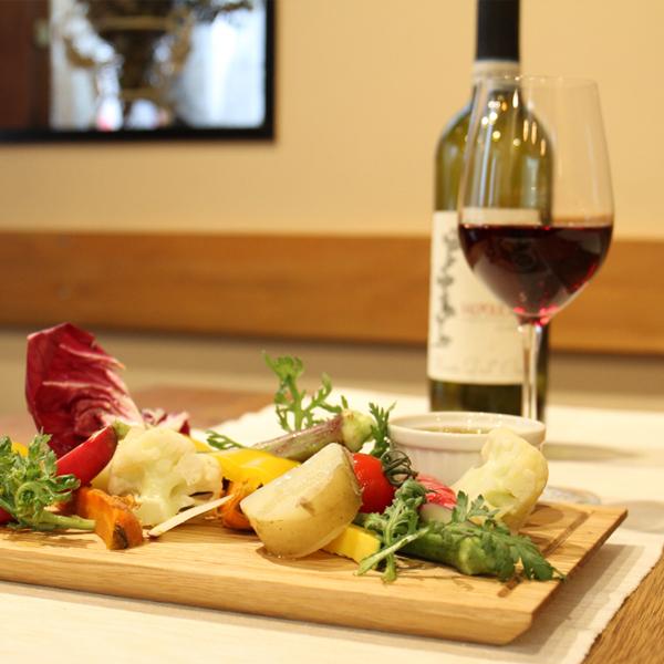 所沢市の新所沢のイタリアンのワインと食事のペアリングのレストランのバーニャカウダとワインのペアリングの画像